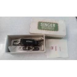 Singer vintage buttonholer...